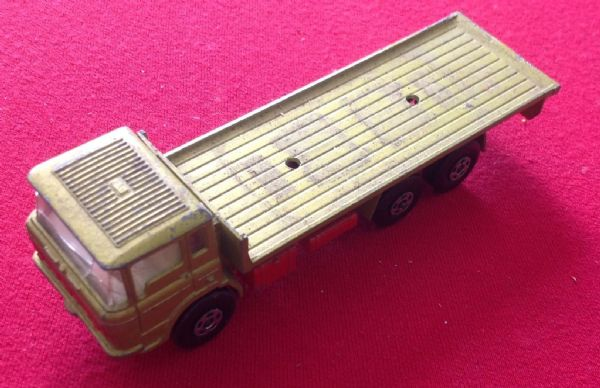 Matchbox Super Kings K-13/20 DAF Truck ( will be in either Yellow or Red base plate versions)